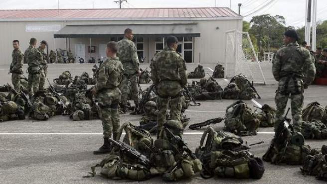 Tropas del Ejército Nacional de Colombia en Quibdó, antes de desplazarse a la zona donde fue secuestrado el general Rubén Darío Alzate a manos de las FARC.