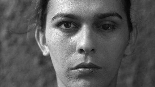 El retrato de esta mujer forma parte de la exposición ' Un horizonte falso'.