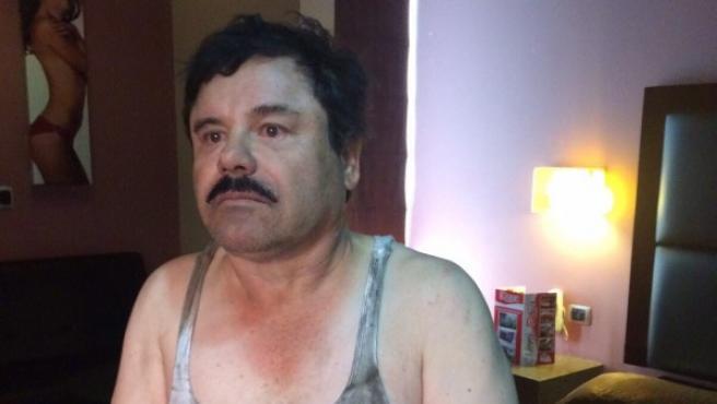Primera imagen del narcotraficante Joaquín 'El Chapo' Guzmán filtrada a medios locales tras su recaptura en la ciudad de Los Mochis, Sinaloa (México).