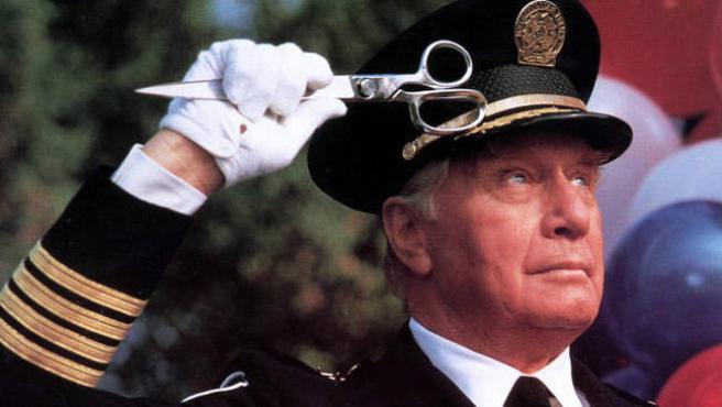 Muere George Gaynes, el Comandante Lassard de 'Loca academia de policía'