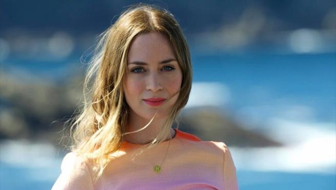 Emily Blunt negocia ser Mary Poppins