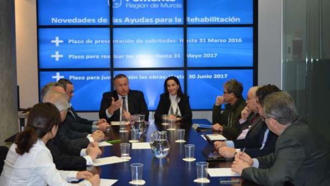 Bernabé y Nuria Fuentes durante la reunión
