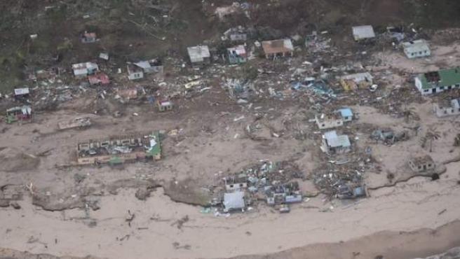 Imagen aérea de Fiyi tras el ciclón Winston.