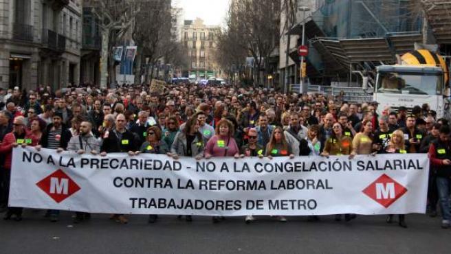 Manifestación de los trabajadores del metro de Barcelona por Vía Laietana.