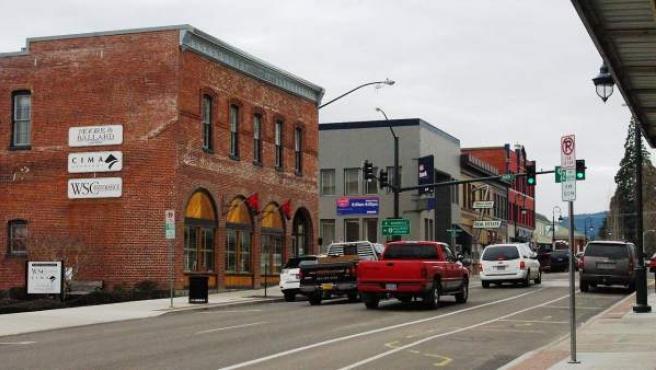 Vista de una calle del centro de Forest Grove (Oregón).
