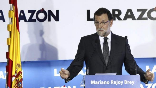 El presidente del Gobierno en funciones, Mariano Rajoy, durante su intervención en el foro La Razón de..., en la sede del diario La Razón, en Madrid.
