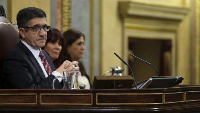 El presidente del Congreso, Patxi López, durante la sesión de investidura del líder del PSOE.