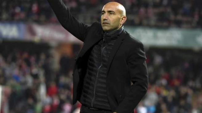 Abelardo, entrenador del Sporting, en el partido ante el Granada.