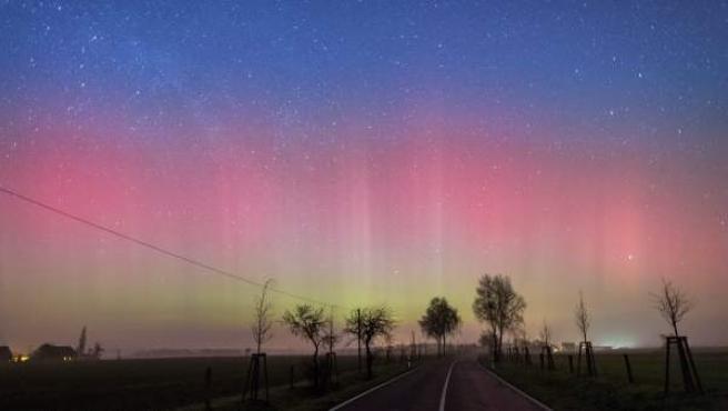 Aurora boreal en Lietzen, Alemania.