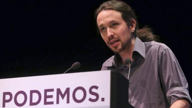 """El secretario general de Podemos, Pablo Iglesias, durante su intervención en """"El otro estado de la nación"""", en contraposición con el debate sobre el estado de la nación celebrado en el Congreso de los Diputados, un acto realizado por el partido esta tarde en el Círculo de Bellas Artes de Madrid."""