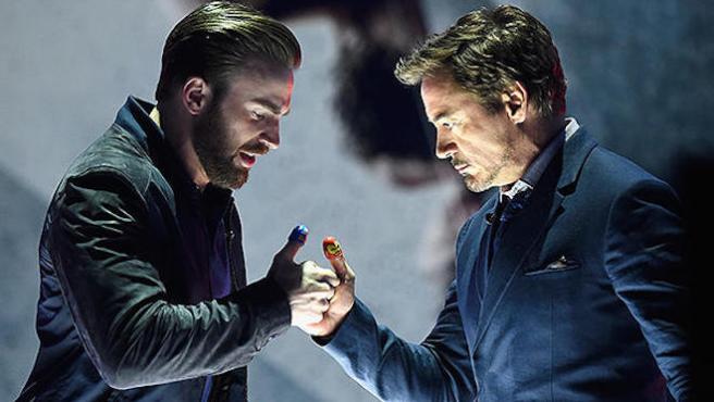 Chris Evans contra Robert Downey Jr.: guerra de pulgares