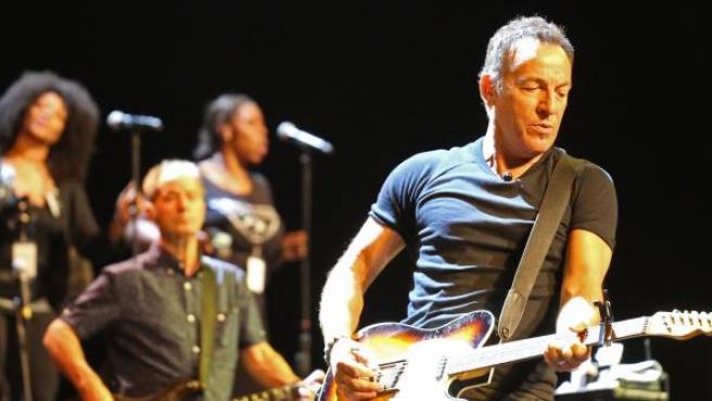 El cantante Bruce Springsteen en un concierto en Cape Town, Sudáfrica, en enero de 2014.