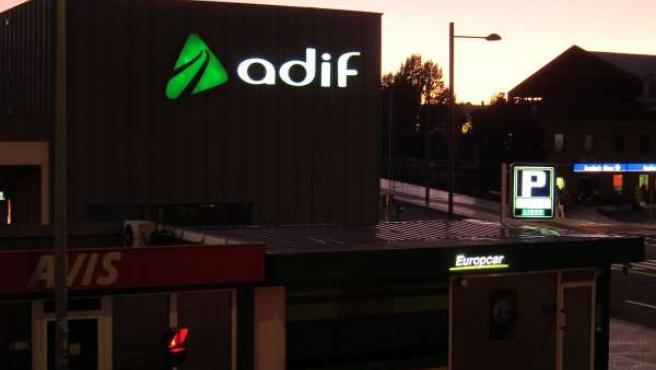 Estación De Adif En León