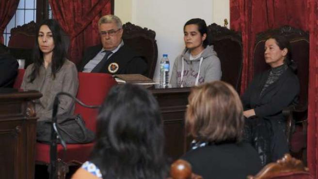 Montserrat González, Triana Martínez y Raquel Gago