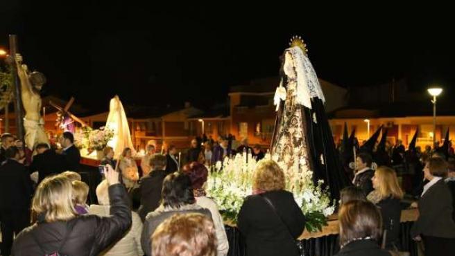 Procesión del Vía Crucis 'Nuestra Antiquísima Procesión del Poble' en Mequinenza