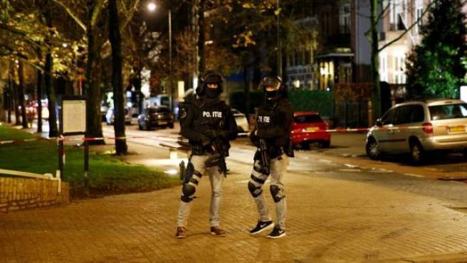 Policía belga durante las invesigaciones sobre los atentados de París