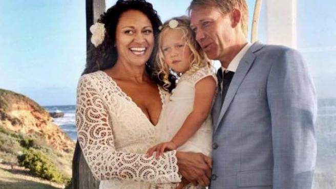 Aminah Hart es una mujer australiana que encontró al donante de esperma que le permitió ser madre, se enamoró de él y ahora están casados.