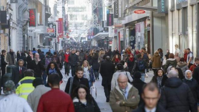 Imagen de la Rue Neuve, la principal calle comercial de Bruselas.