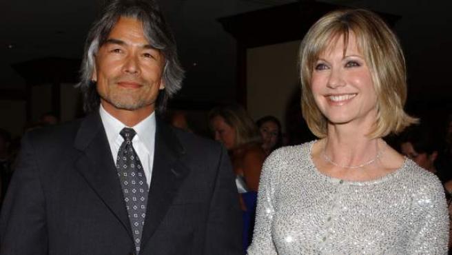 Patrick McDermott y Olivia Newton-John, en 2005.