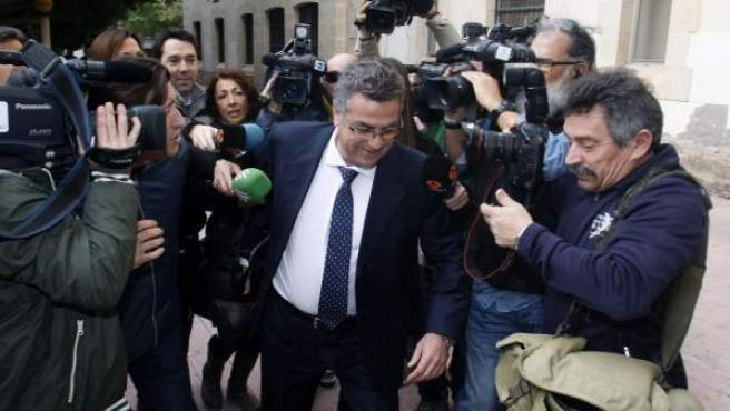 El constructor Enrique Ortiz, a su llegada a los juzgados de Alicante para declarar como imputado en la pieza separada del 'caso Brugal'.