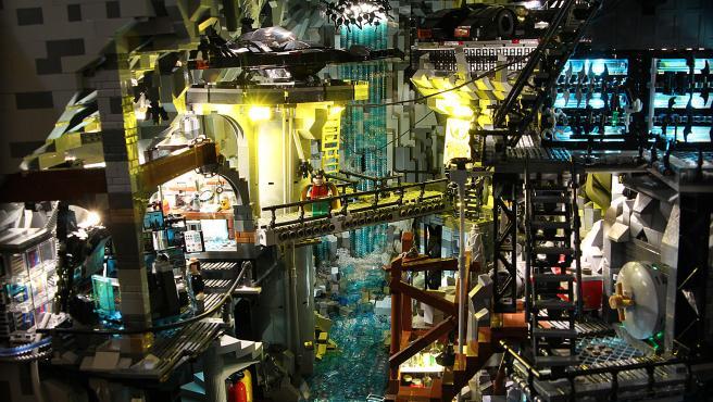 Un fan de LEGO (y de Batman) construye su propia Batcueva
