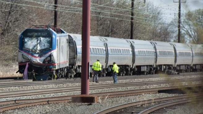 El tren de Amtrak se dirigía desde Nueva York a Savannah y chocó contra una excavadora
