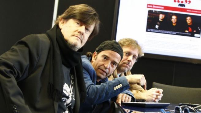 El grupo Los Secretos, en la redacción de 20minutos.