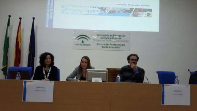 Ruiz (centro) durante la inauguración de la Jornada Europass