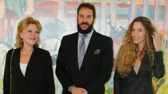 Carmen Cervera, con su hijo Borja Thyssen y su nuera Blanca Cuesta.