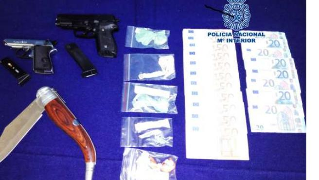 Armas, drogas y dinero intervenido