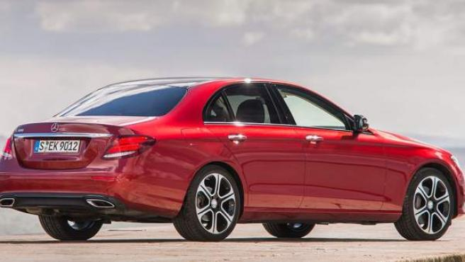 El nuevo Clase E de 2016 actualiza el último modelo de la firma alemana en esta gama, que databa de 2013.
