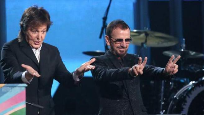 La 56 edición de los premios Grammy vivió un momento histórico: la actuación conjunta de Paul McCartney y Ringo Starr para tocar Queenie Eye.