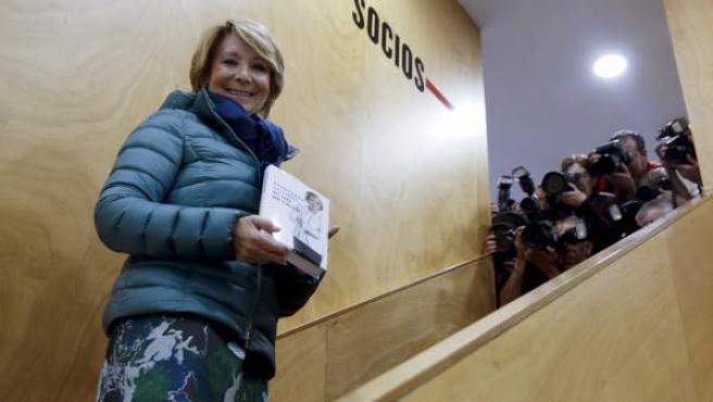 """La portavoz del PP en el Ayuntamiento de Madrid, Esperanza Aguirre, durante la presentación de su nuevo libro """"Yo no me callo"""" en el Círculo de Bellas Artes de Madrid."""