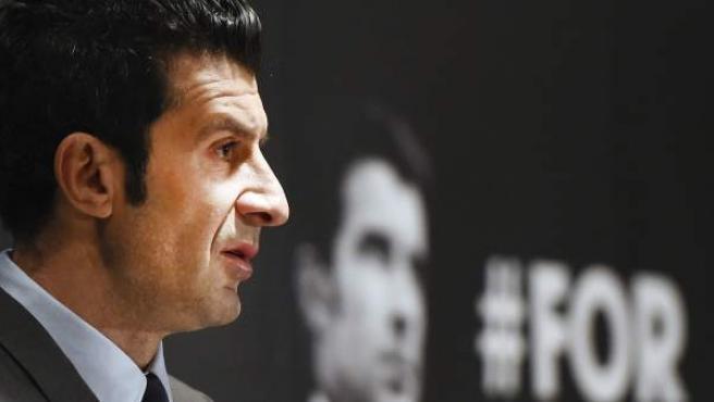 Luís Figo en la presentación de su candidatura a la presidencia de la FIFA.