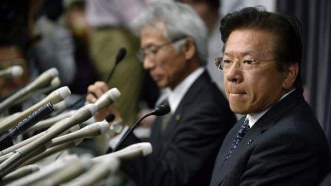 El presidente de Mitsubishi Motors, Tetsuro Aikawa, en rueda de prensa en la sede del Ministerio de Transporte, Infraestructura y Turismo en Tokio.