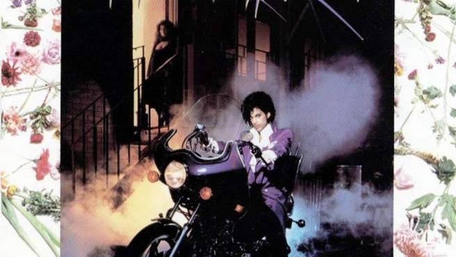 Es el sexto álbum de estudio de Prince & The Revolution, que más tarde se convertiría en la banda sonora de la película que estrenó el cantante. Purple Rain se convirtió en uno de los discos más emblemáticos de Prince, obtuvo 13 discos de platino en EE.UU y logró vender cerca de 20 millones de copias.