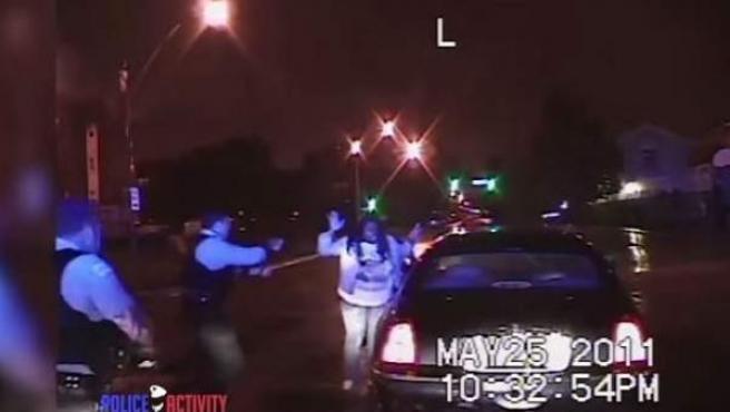 Escenas de una detención en Chicago ocurrida en 2011.