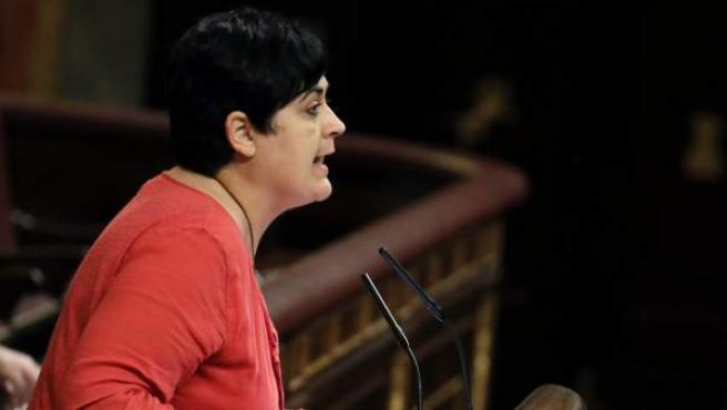 La diputada de EH Bildu Marian Beitialarrangoitia, durante su intervención en la sesión de la tarde de la segunda jornada del debate de investidura.