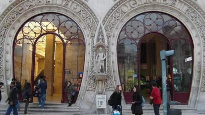Escultura de Dom Sebastiao, en Rossio (Lisboa).