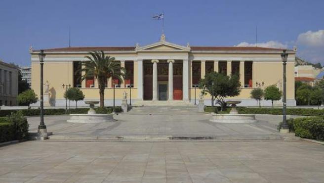 Imagen de archivo de un edificio de la Universidad Nacional de Atenas, la mayor de Grecia.