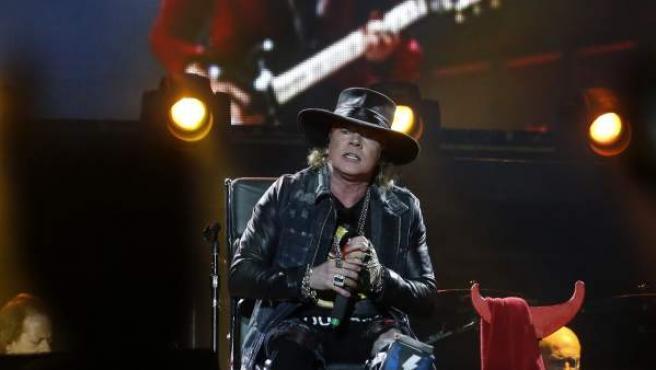 El vocalista Axl Rose, en su concierto de Lisboa con AC/DC.