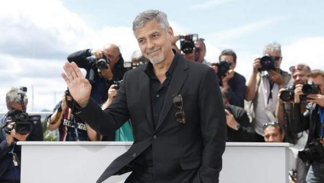 """El actor estadounidense George Clooney, a su llegada al pase gráfico de la película """"Money Monster"""", en la 69 edición del Festival Iternacional de Cine de Cannes, en Francia."""