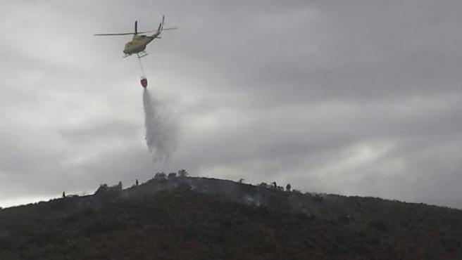 Incendio forestal en la Sierra de la Almenara (Lorca)