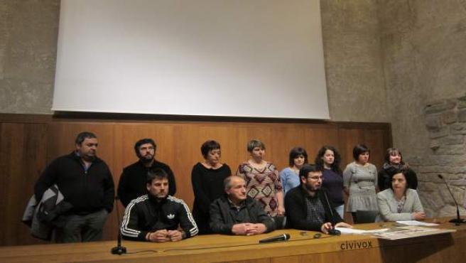 Rueda de prensa de familiares de Mikel Zabalza y el alcalde de Aoiz.