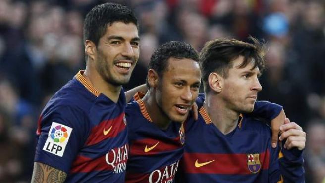 Suárez, Neymar y Messi, tras el partido del Barça ante la Real Sociedad.
