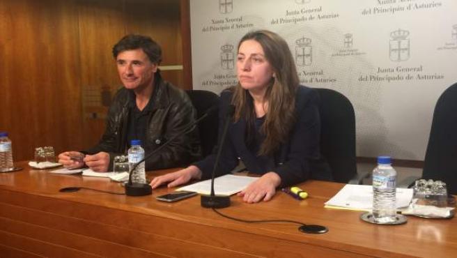 Lorena GIl y Enrique López, durante la rueda de prensa.