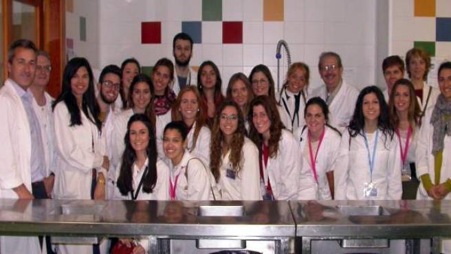 Visita de alumnos de la UPO al Hospital de Valme