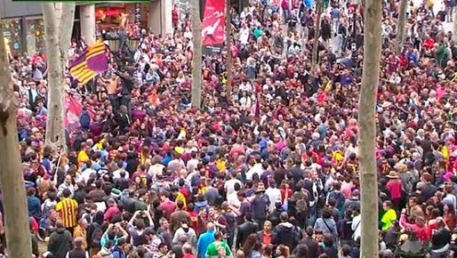 Celebración en Canaletas de la Liga por parte de los aficionados del Barça.