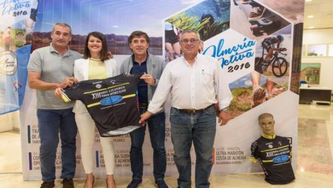 El ciclista Perico Delgado ha participado en la rueda de prensa.