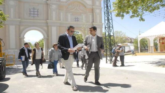 El alcalde de Granada visita el recinto ferial